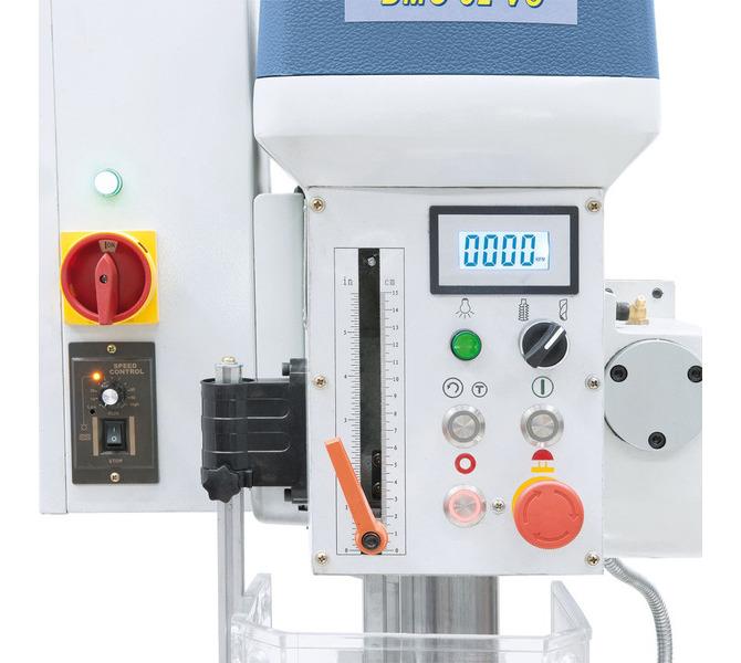 W wyposażeniu seryjnym elektroniczny wskaźnik  prędkości  obrotowej  Ergonomicznie umiejscowione  ele... 62 - zdjęcie 3