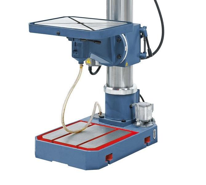 Precyzyjnie wykończona  płyta dolnamaszyny,  w wyposażeniu  standardowym z  wbudowaną  pompą czynn... 93 - zdjęcie 5