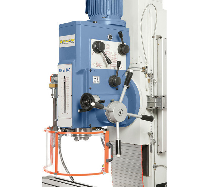 Dostawianie tulei wrzecionowej albo ręcznie albo poprzez automatyczny posuw tuleiwrzecionowej(0,1 / ... 252 - zdjęcie 7
