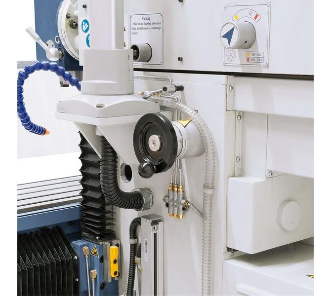 W wyposażeniu standardowym z elektronicznymi pokrętłami do ręcznego posuwu w osi X, Y i Z. - 263 - zdjęcie 6