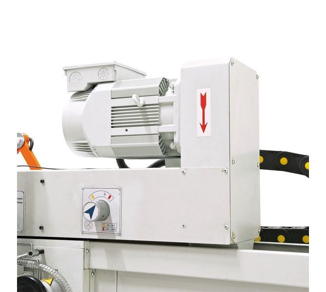 Masywny silnik o wysokim momencie obrotowym zapewnia optymalne  przeniesienie napędu. - 263 - zdjęcie 9