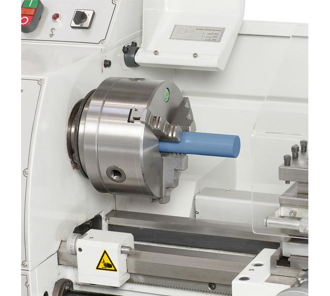 W wyposażeniu standardowym z otworem wrzeciona 38 mm do obróbki wałków o dużych średnicach - 339 - zdjęcie 4