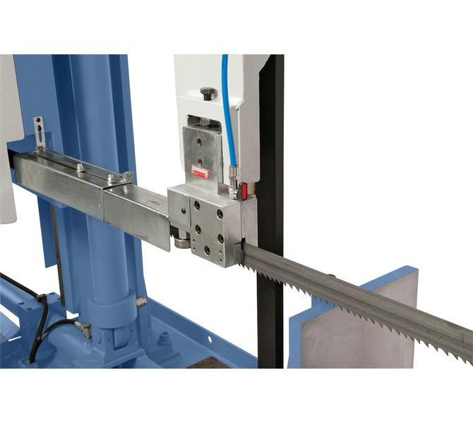 Przesuwną prowadnicę piły można optymalnie dopasować do szerokości przedmiotu obrabianego. - 473 - zdjęcie 4