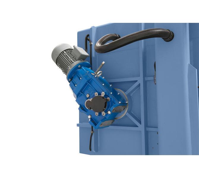 Masywny silnik o wysokim momencie obrotowym zapewnia optymalne przeniesienie napędu.  - 473 - zdjęcie 3
