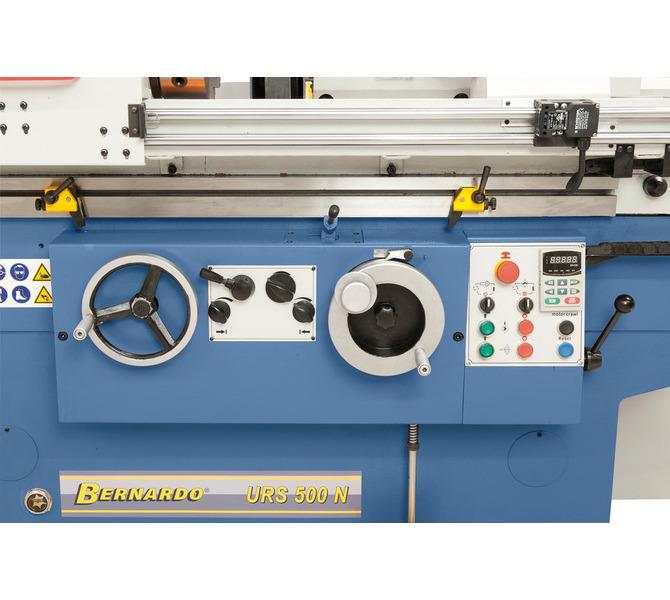 Przejrzyście rozmieszczone najważniejsze elementy obsługowe z przodu maszyny - 618 - zdjęcie 7