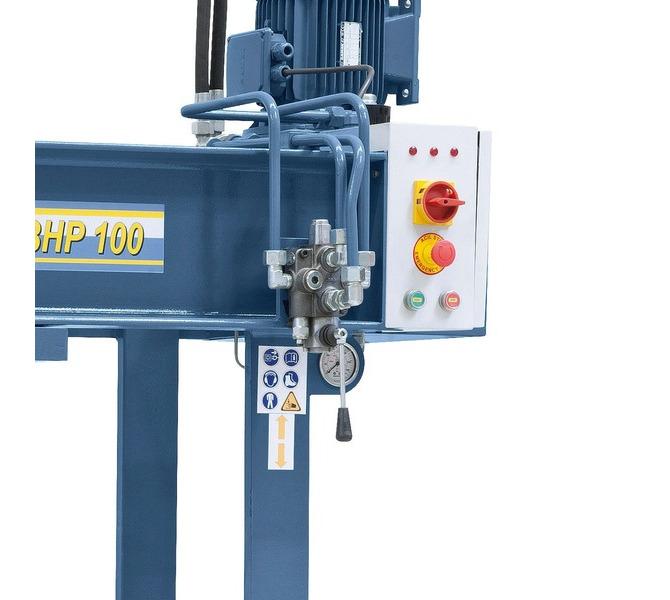 Ein feinfühliges Zustellen und Stoppen des Kolbens wird mittels Spezialhebel gewährleistet. - 898 - zdjęcie 5