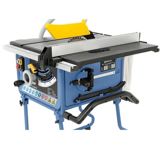 W uchwytach po boku maszyny można schować ogranicznik skosu i popychacz. - 1271 - zdjęcie 4