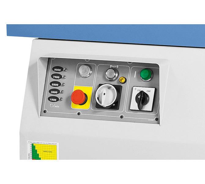 Panel sterowania umieszczony z przodu maszyny, wyświetlacz prędkości LED. - 1352 - zdjęcie 10